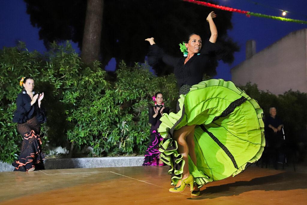 Grupo de dança Mais Flamenco Ballet nas Festas de São Simão, em Azeitão