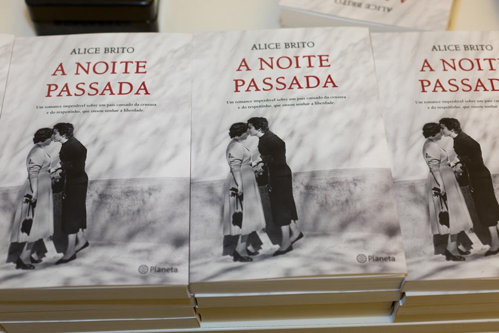 A Noite Passada - livro de Alice de Brito