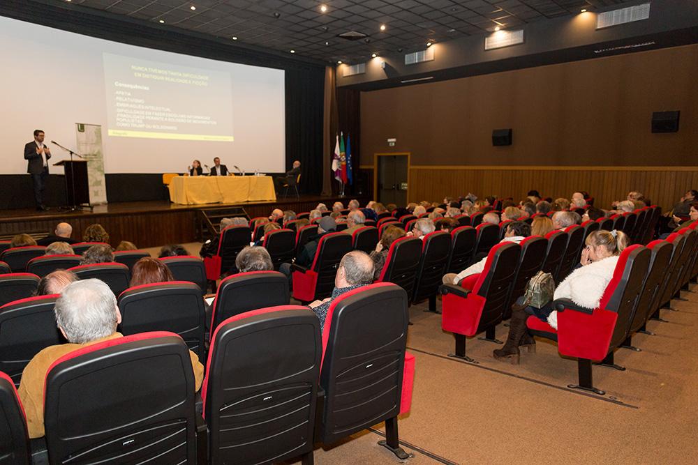 Conferência Comunicação e Pós Verdade - Lugar do Sapal
