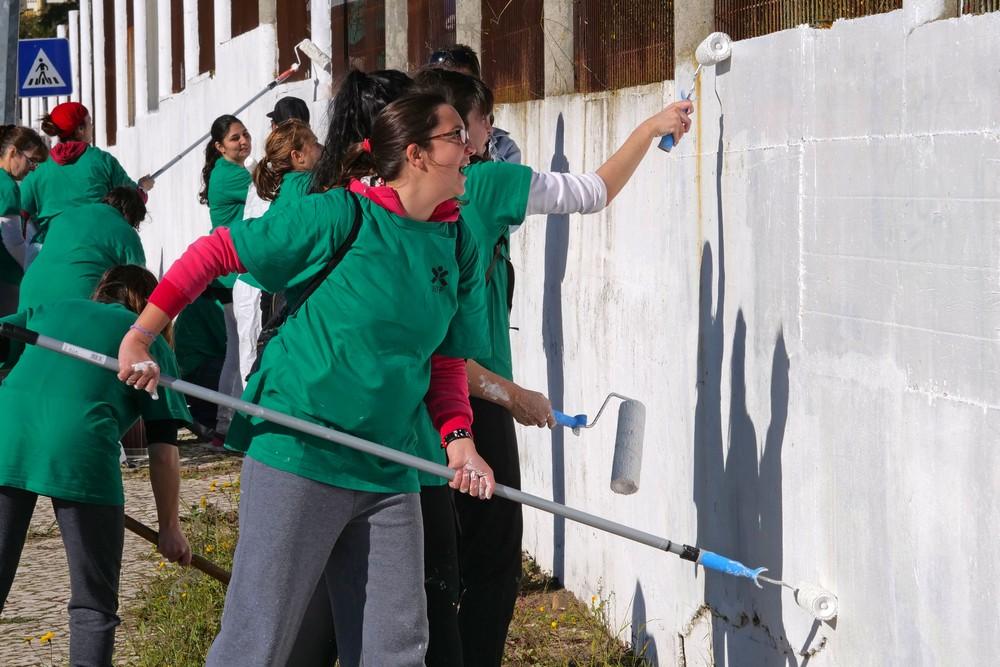 Pintura do muro exterior do quartel dos bombeiros sapadores