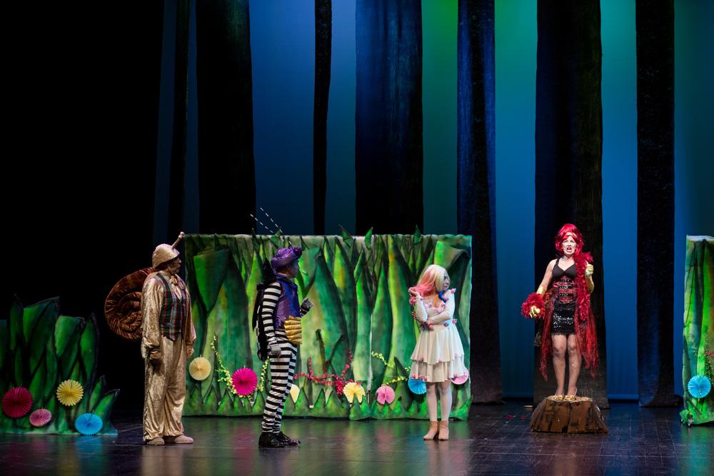Dona Natureza - Gatem - Dia Mundial do Teatro