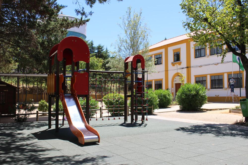 EB Pinheirinhos | Requalificação de piso