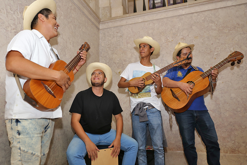 EXIB Música | Visita do presidente de Cosoleacaque, Veracruz, México