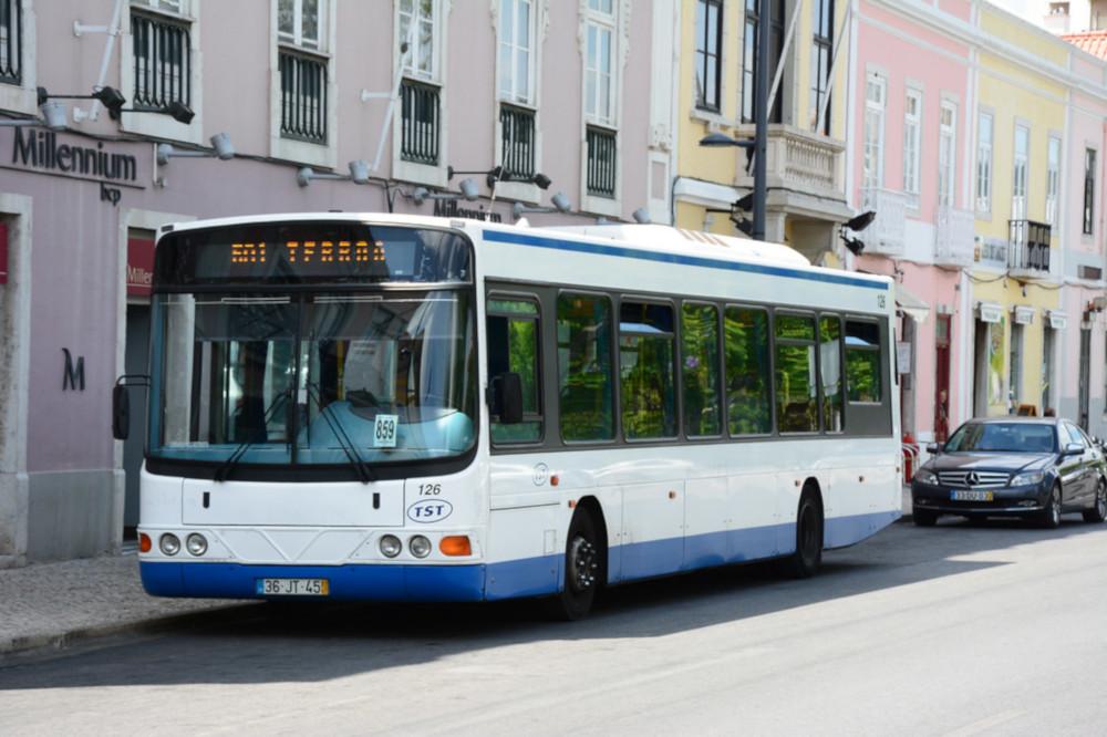 Autocarro TST