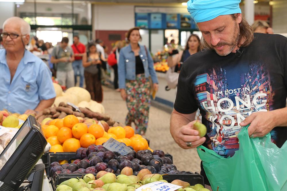Chef Chakall visita Mercado do Livramento