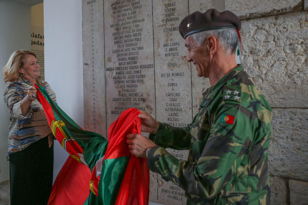 Descerramento de Lápide aos Militares Mortos - Dia do Exército