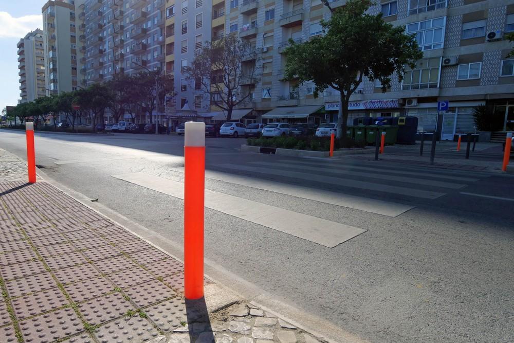 Pilaretes luminescentes - Avenida 22 de Dezembro