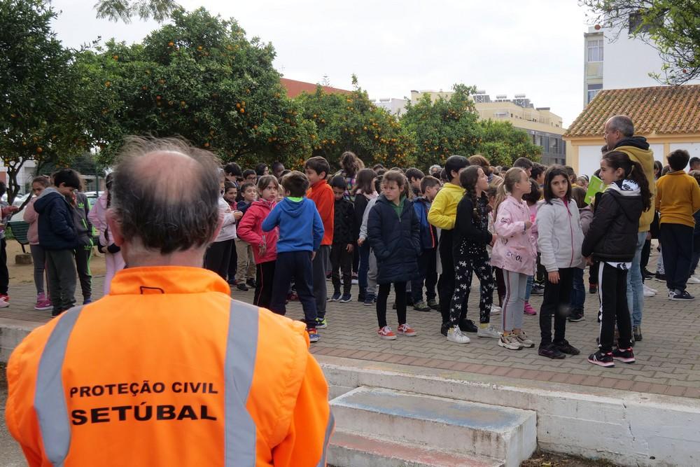 Simulacro Dia Internacional da Proteção Civil - EB dos Arcos