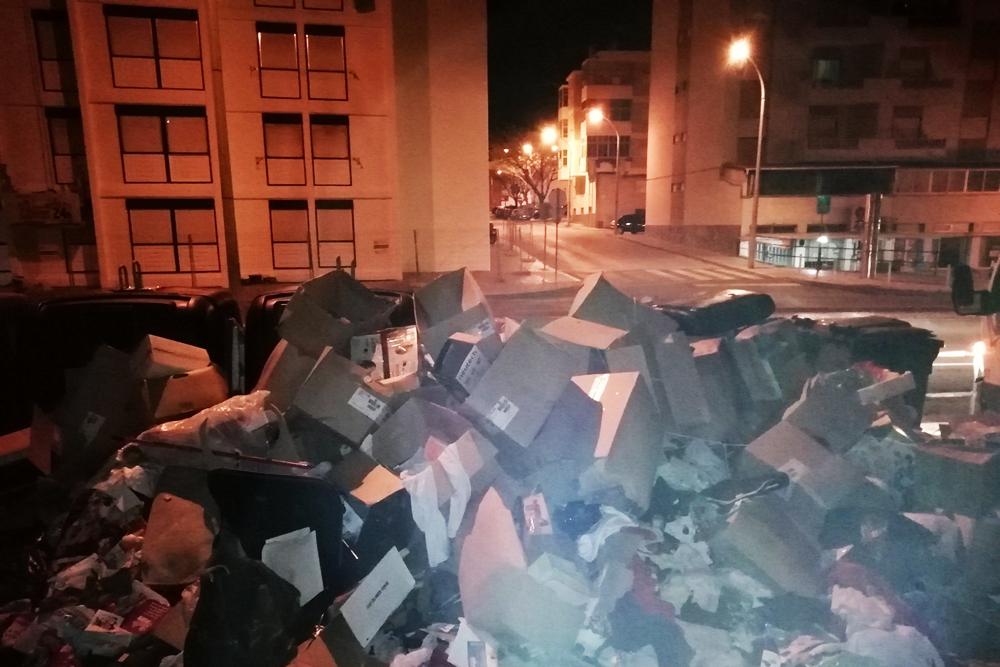 Lixo na via pública | Freguesia de São Sebastião