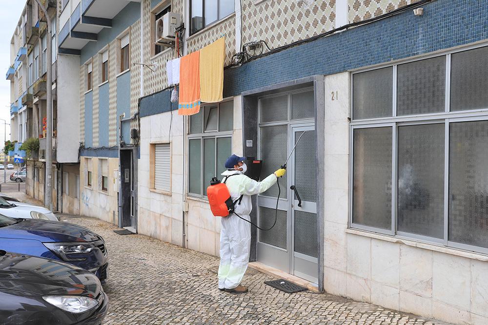 Coronavírus Covid-19   Limpeza e desinfeção   6 de abril