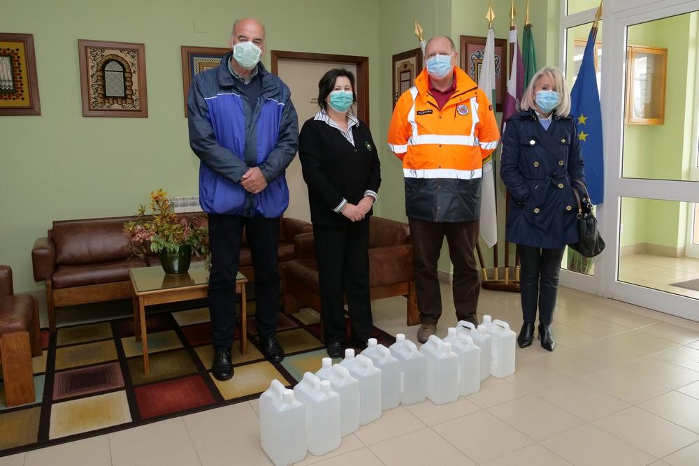 Coronavírus Covid-19 | Entrega de materiais da Bacalhôa à Misericórdia de Azeitão e a lar de idosos da AURPIA