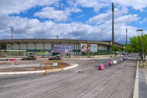 Obras - repavimentações e nova rotunda nas avenidas Dr. António Rodrigues Manito e Avenida 22 de Dezembro | 21 de abril