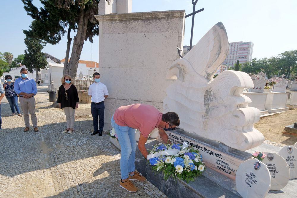 Dia_Nacional_Pescador_evocação_no_memorial_ao_pescador