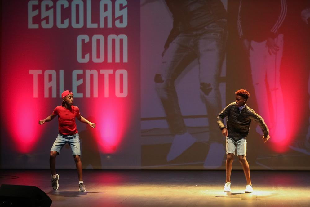 Escolas com Talento 2020   Cali, Emerson e Paulo   vencedores na categoria Dança