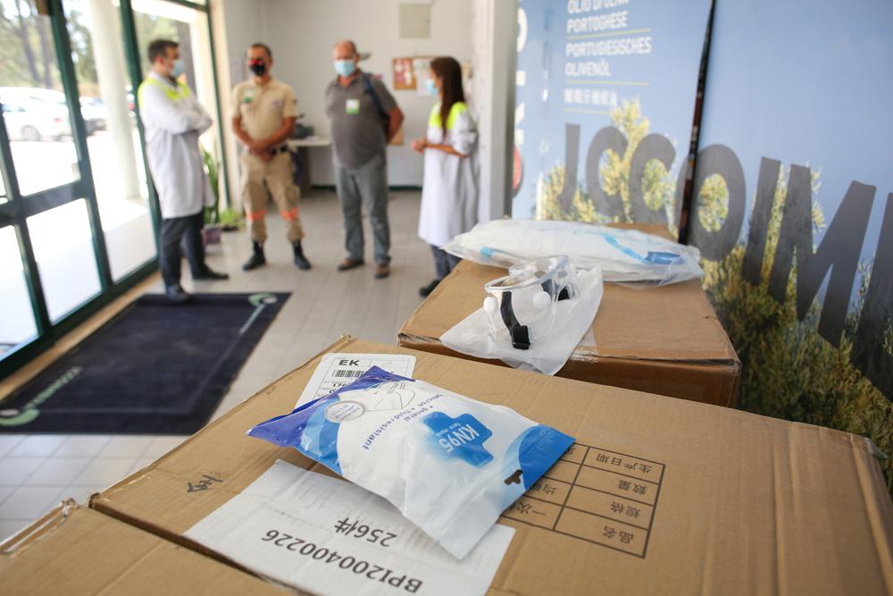 COVID-19 - JC Coimbra entrega material de proteção à CMS