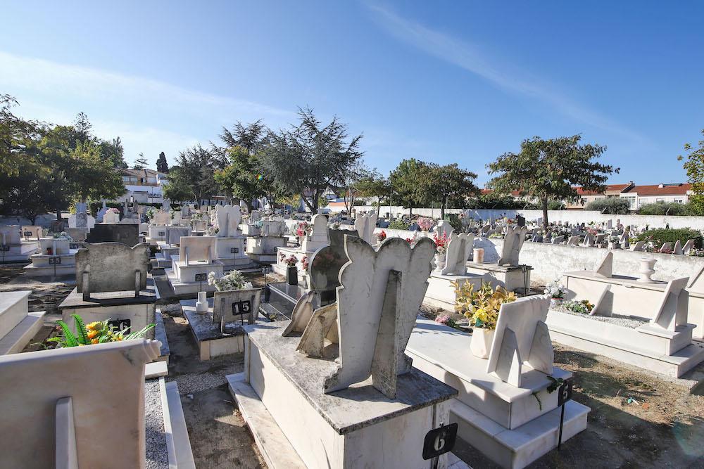 Obras | ampliação do cemitério de Vila Nogueira de Azeitão | novos ossários