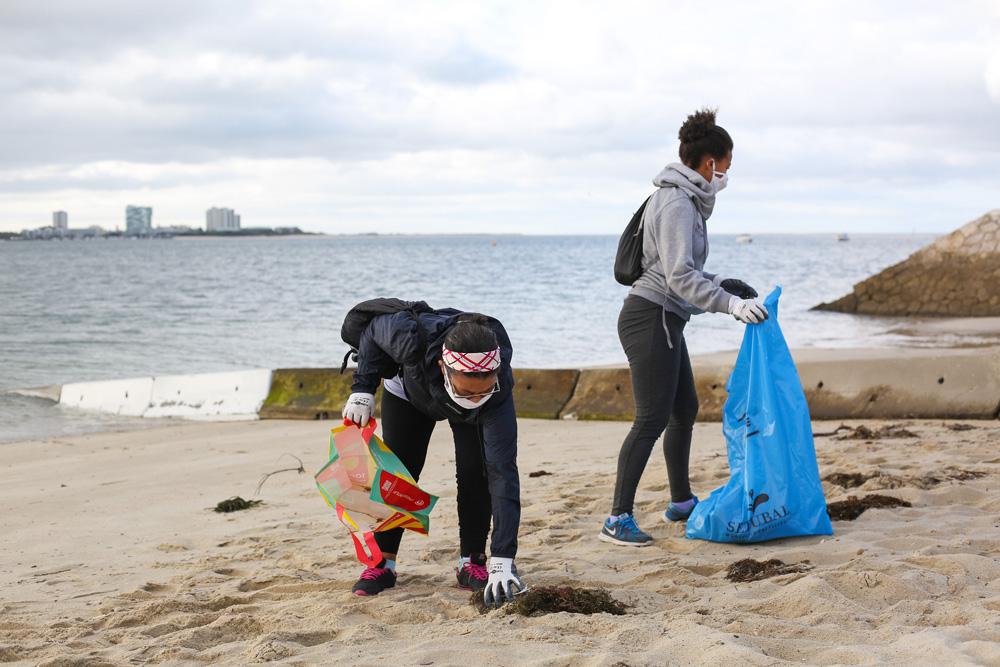 Limpeza do areal da Praia da Saúde | Dia Mundial do Turismo