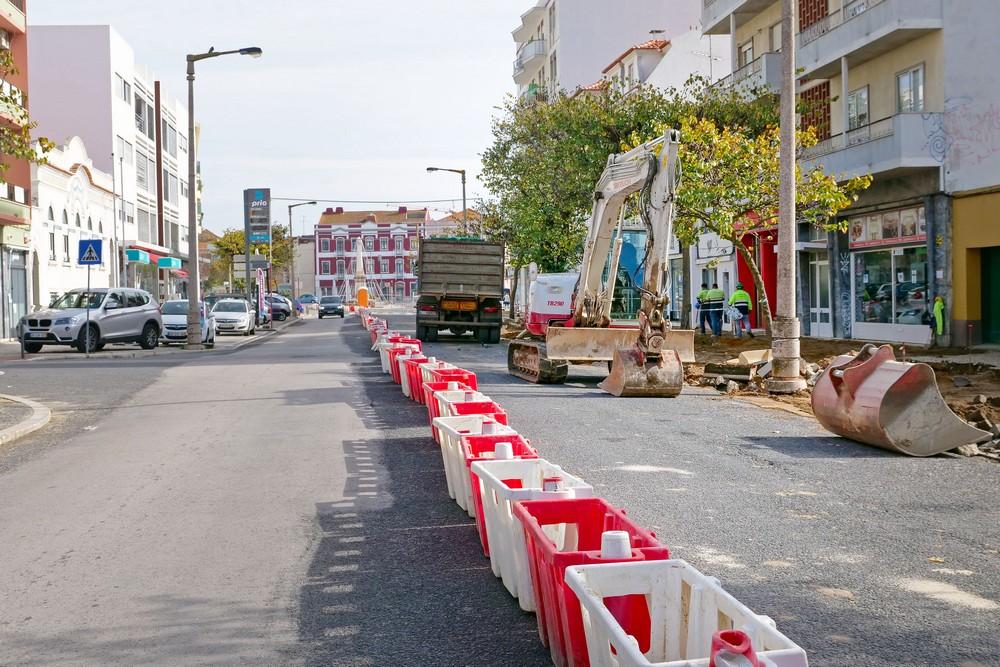Obras na Avenida dos Combatentes