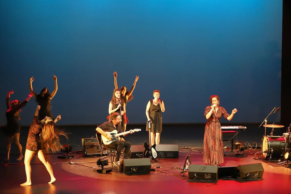A Garota Não convida a Academia de Dança Contemporânea de Setúbal
