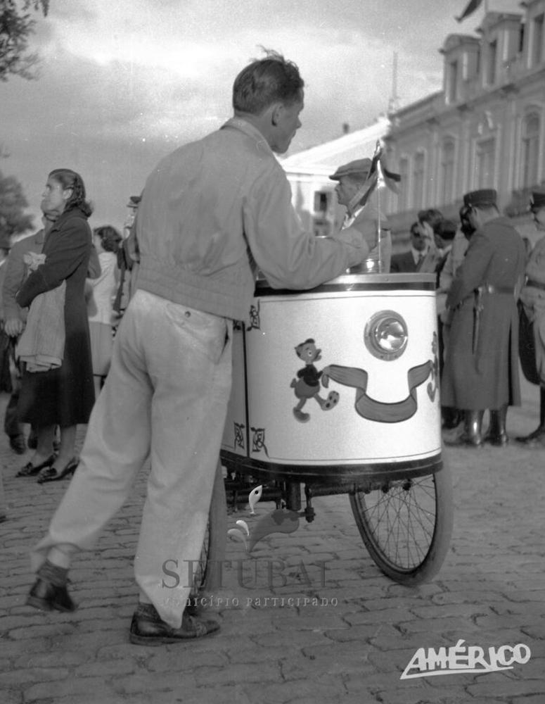 Museu ao Seu Encontro | Vendedor de gelados ambulante
