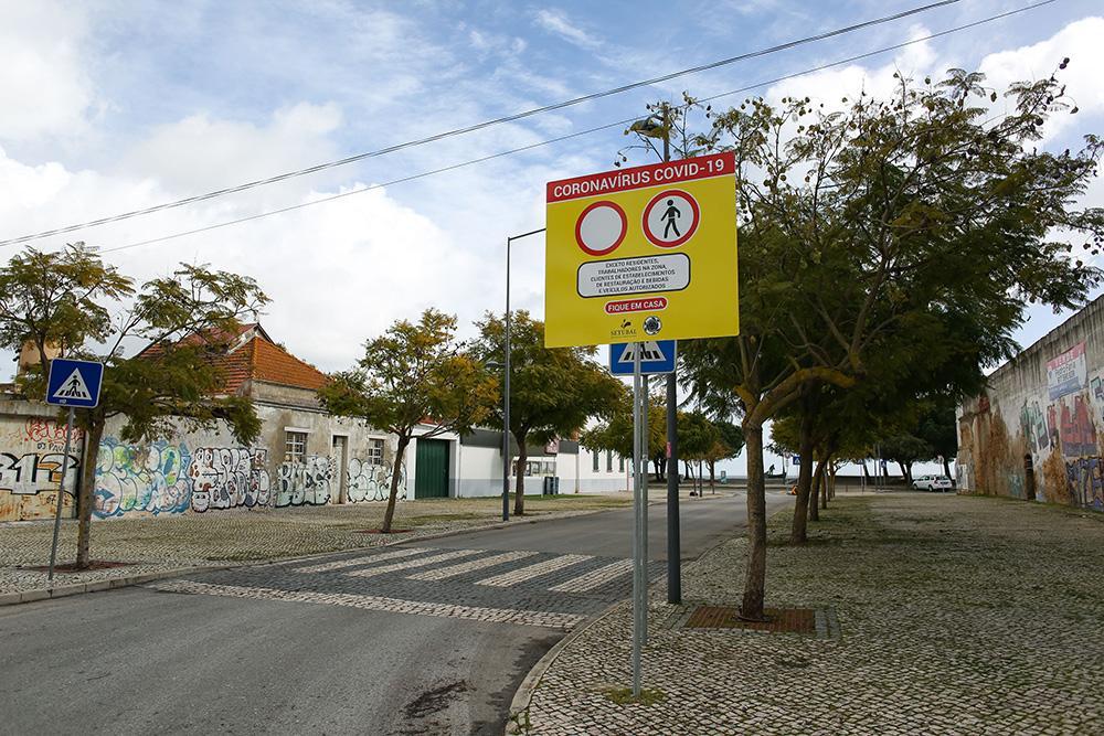 Covid- 19 | Placas de proibição na zona Ribeirinha - restrições ao trânsito