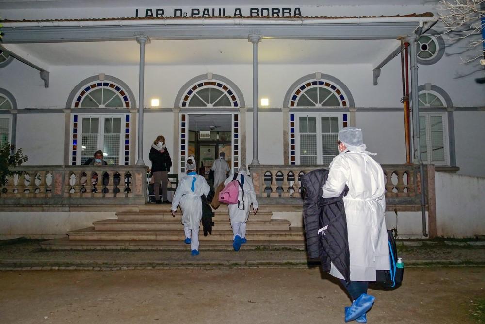 Covid-19   vacinação   Lar Dr. Francisco Paula Borba