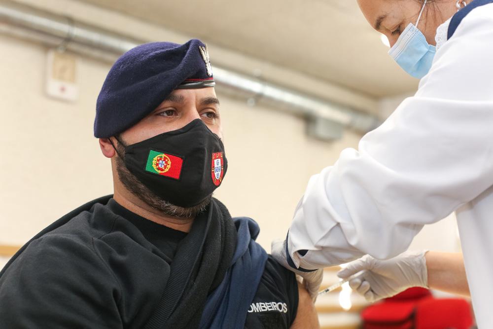 Covid-19 | Primeira fase de vacinação dos bombeiros