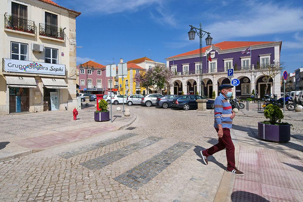 Rebaixamento de passadeiras na Praça de Bocage