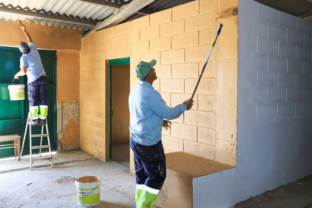 Ação de Voluntariado CROAC - pintura de edifício reabilitado