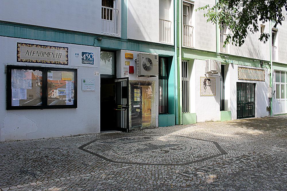 fachada da Junta de Freguesia de São Sebastião | Foto da JFSS