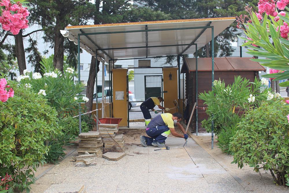 Requalificação de pavimento na Escola Básica dos Pinheirinhos | Foto da JFSS