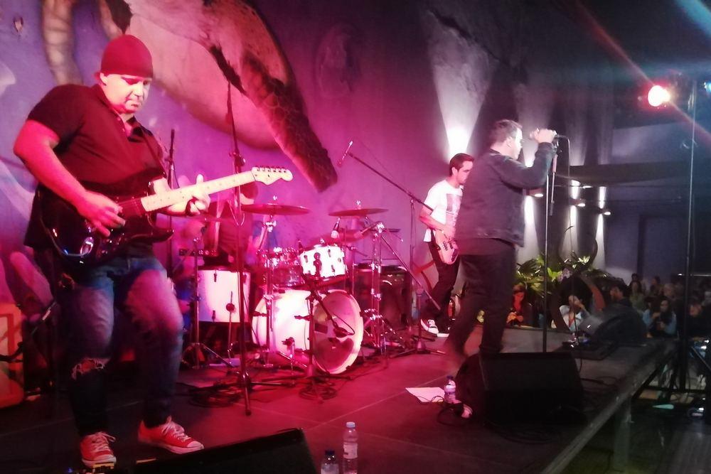 Noites da Baía | The Fly - Tributo a U2