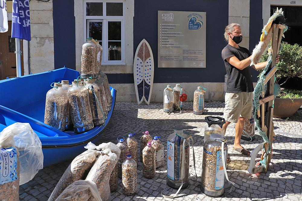 The Plastic Hike - Casa da Baía